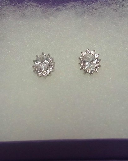 Oval-Cut-Cubic-Zirconia-Stud-Earrings-GIFT-BOXED-4-U